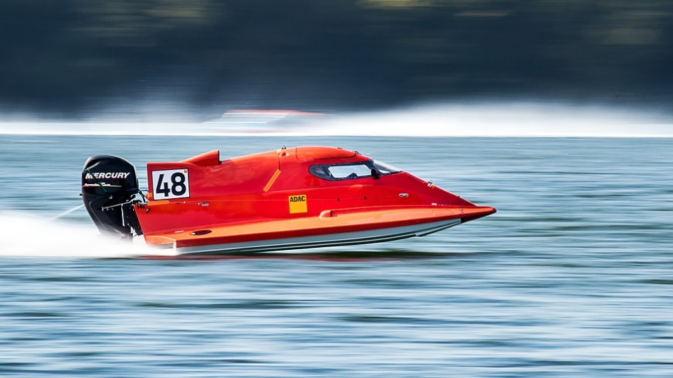 powerboat-2784250_960_720.jpg